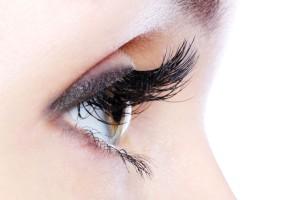 Get-Long-Lush-Eyelashes-Naturally
