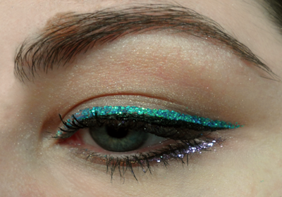 Use Sparkly and Bright Eyeliner