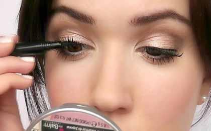 Simply Use Mascara For eyelash curler