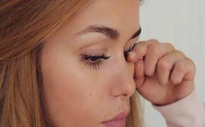 Warm Finger Eyelash Curl Method